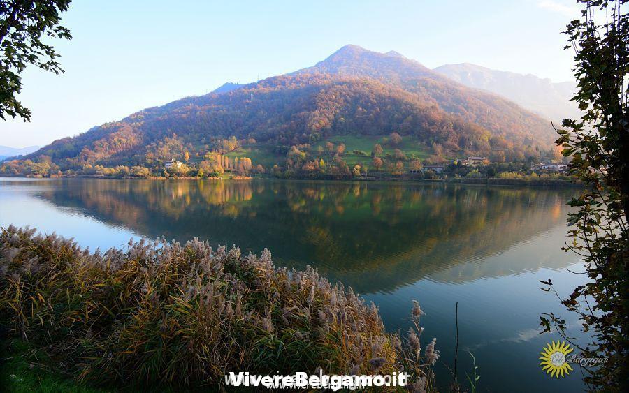 Lago Bergamasco in autunno